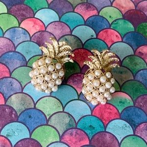 NEW Gold and Pearl Pineapple Stud Earrings